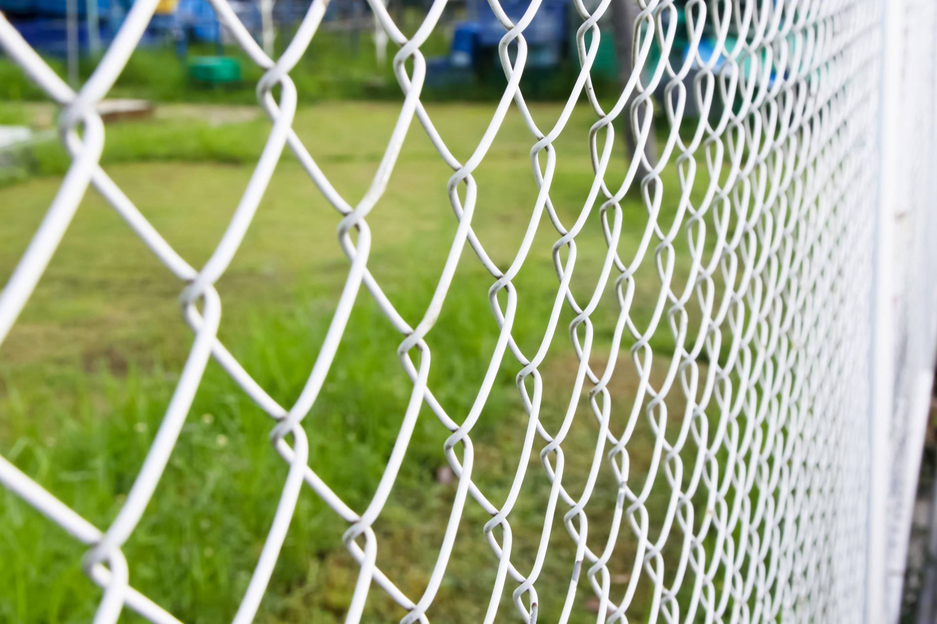 Chain Link Security Fences – Sports Residential & mercial Barriers