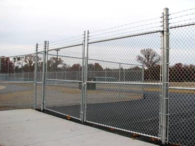Chain Link Barbed Wire Anti Intruder Fence For Higher
