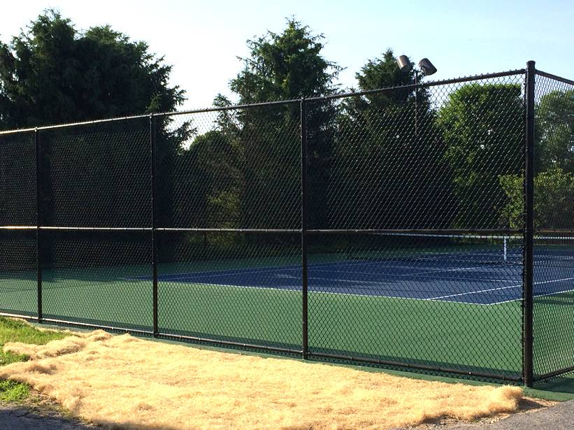 Chain link fencing for tennis courts fence and backstops