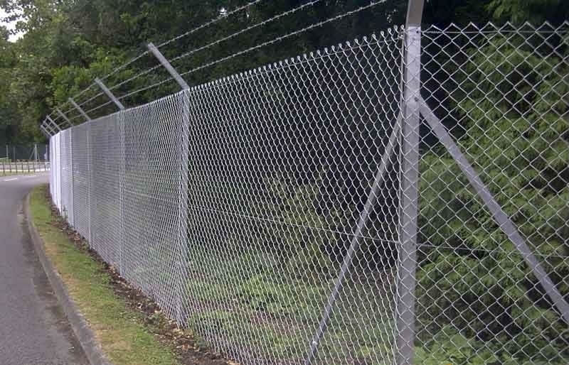 Chain Link Fence Using Chain Link Fence For Hillside