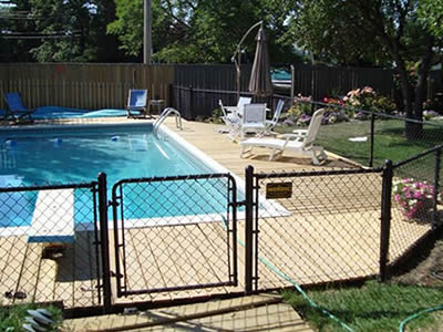 chain link fence for swimming pool